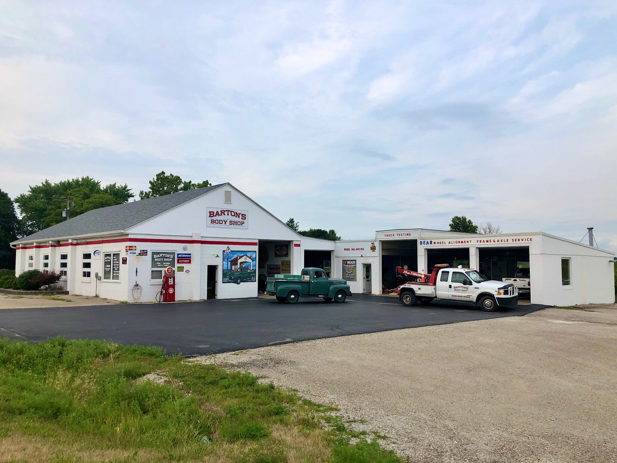 Barton's Body Shop - Alpha, Illinois