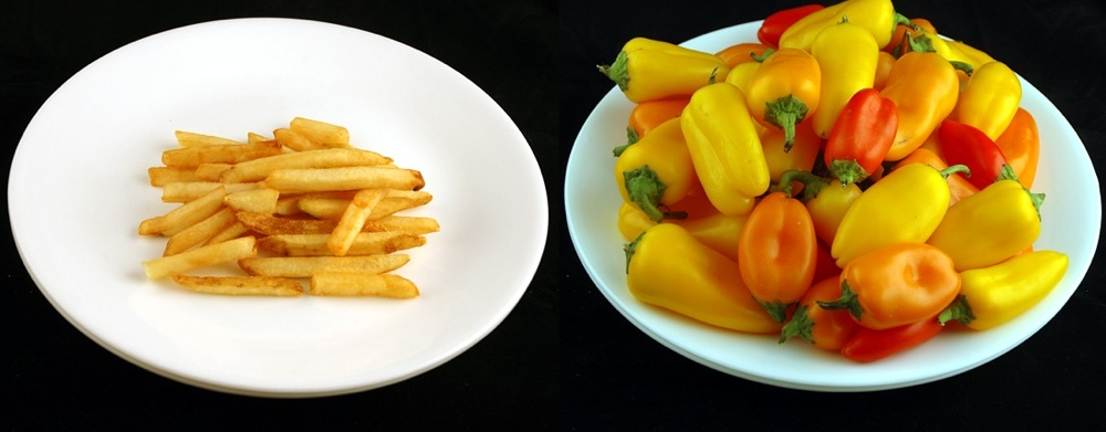200 calories of french fries and 200 calories of peppers.  Photo Credit: https://www.zmescience.com/other/feature-post/calories-different-foods/
