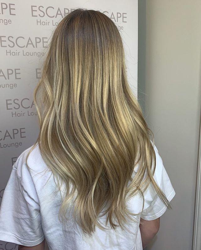 Perfect summertime blonde 👱♀️ 🌞🎉 color done by @hairby_dani_ny  #blonde #blondehair #huntingtonvillageny #longisland #hairstylist #color #goldwellus #highlights #babylights #nybloggers #behindthechair #colormelt  #hairgoals #hairbrained #hairstylist #hair #nychair #modernsalon #americansalon #beauty #hairfashion #style #hairbrained_official #hairdresser #crafthair  #lisencedtohair #newyorkhair #huntingtonny #showmethebalayage #hairinspo #kmsapprovedus