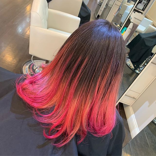 This boyalyage was just perfect for this hot summer week☀️ color done by @hairby_dani_ny #mermaidhair #fashioncolors  #licensedtocreate #bayalageartists #longislandhair #nyc #nybloggers #behindthechair #colormelt  #hairgoals #hairbrained #hairstylist #hair #nychair #modernsalon #americansalon #beauty #hairfashion  #hairbrained_official #hairdresser #crafthair  #balayage #lisencedtohair #newyorkhair #libloggers #huntingtonny #showmethebalayage #hairinspo #kmsapprovedus @balayageartists @american_salon #manombre
