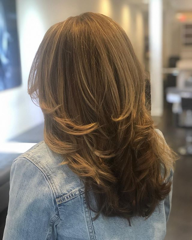 Judy has been killing the blowout game lately 😍🥰 call to book with her today  #blonde #blondehair #huntingtonvillageny #longisland #hairstylist #color #goldwellus #highlights #babylights #nybloggers #behindthechair #colormelt  #hairgoals #hairbrained #hairstylist #hair #nychair #modernsalon #americansalon #beauty #hairfashion #style #hairbrained_official #hairdresser #crafthair  #lisencedtohair #newyorkhair #huntingtonny #showmethebalayage #hairinspo #kmsapprovedus