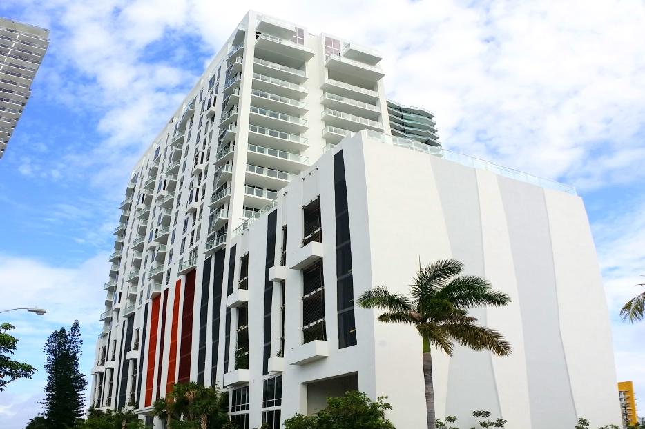 CRIMSON TOWER   - Miami, FL McKafka Development Group Internat'l Design Engineering & Architecture