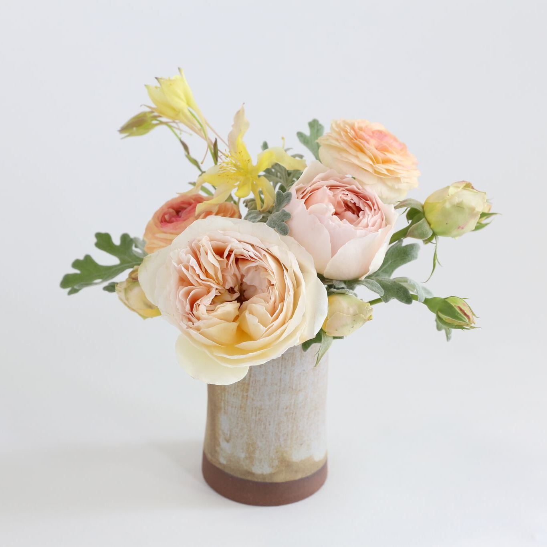 hilary_horvath_flowers_notary_ceramics