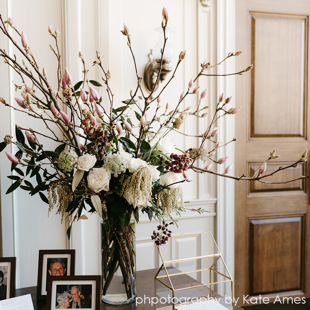 magnolia arrangement .jpg