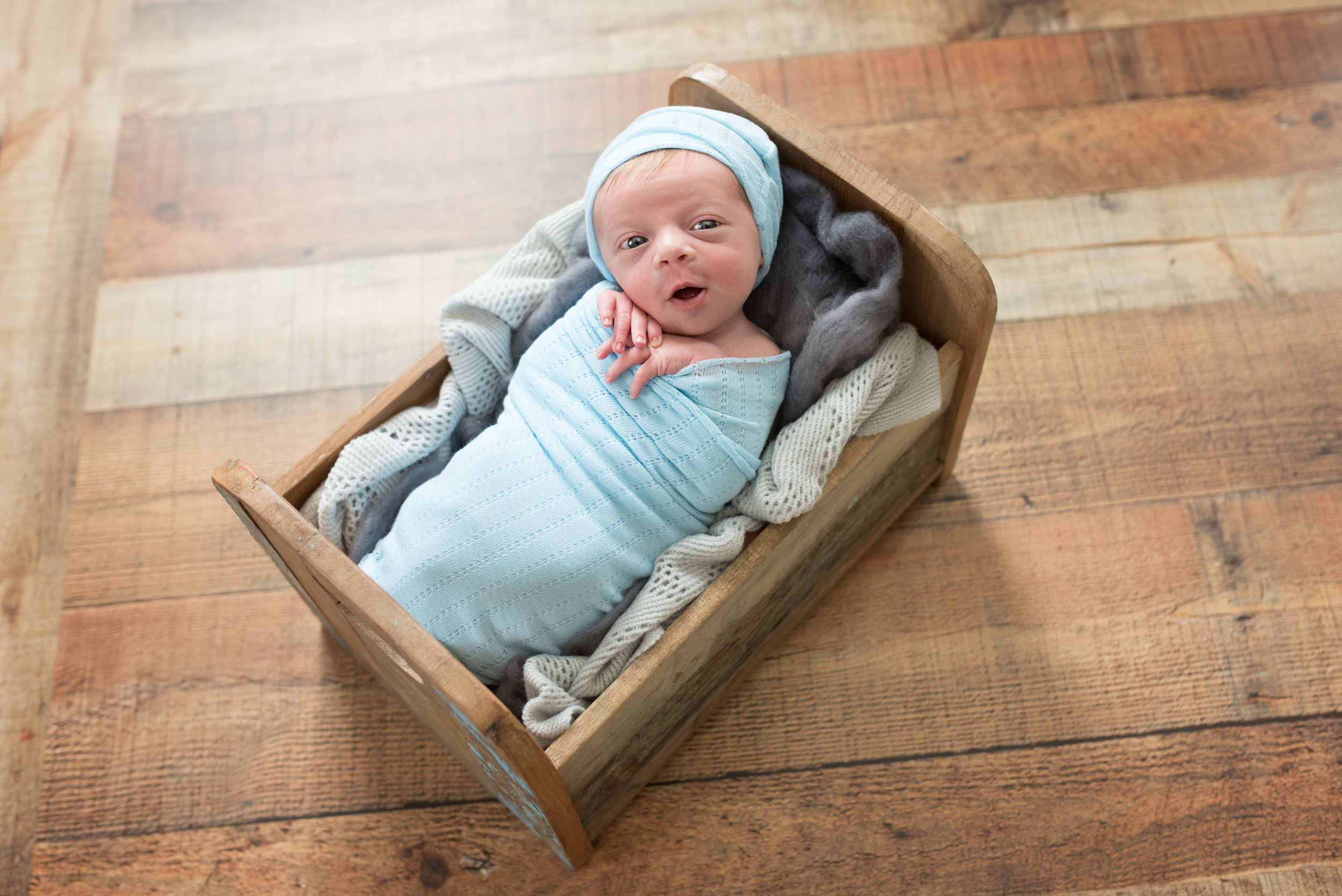 Newborn photographer, Frederick MD and Hagerstown MD