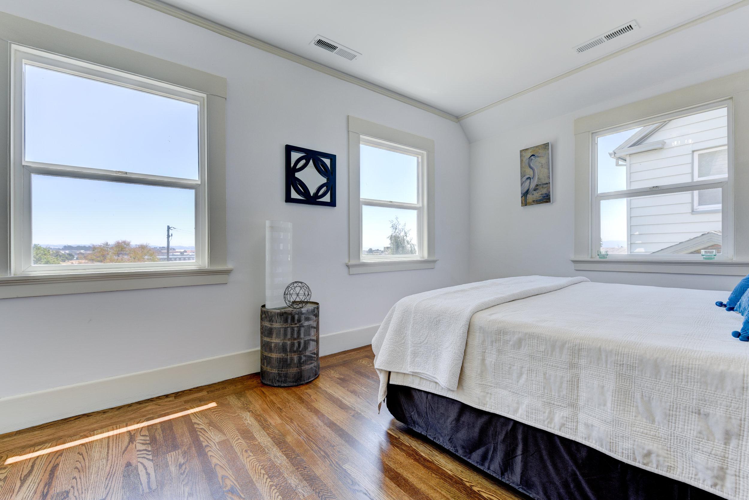 New front bedroom 1.jpg