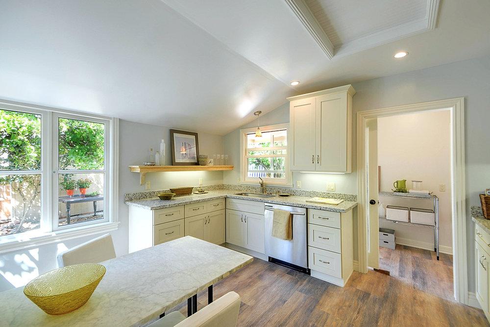 Kitchen+2.jpg
