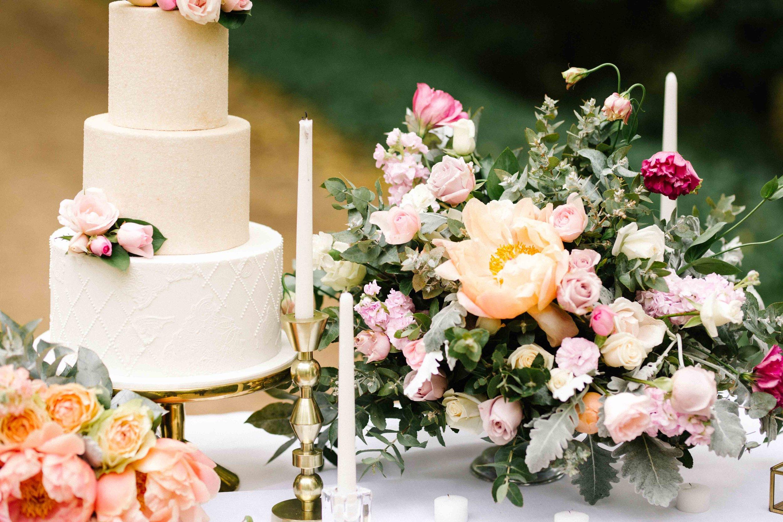 Dancing & Dessert Autumn Wedding Flowers