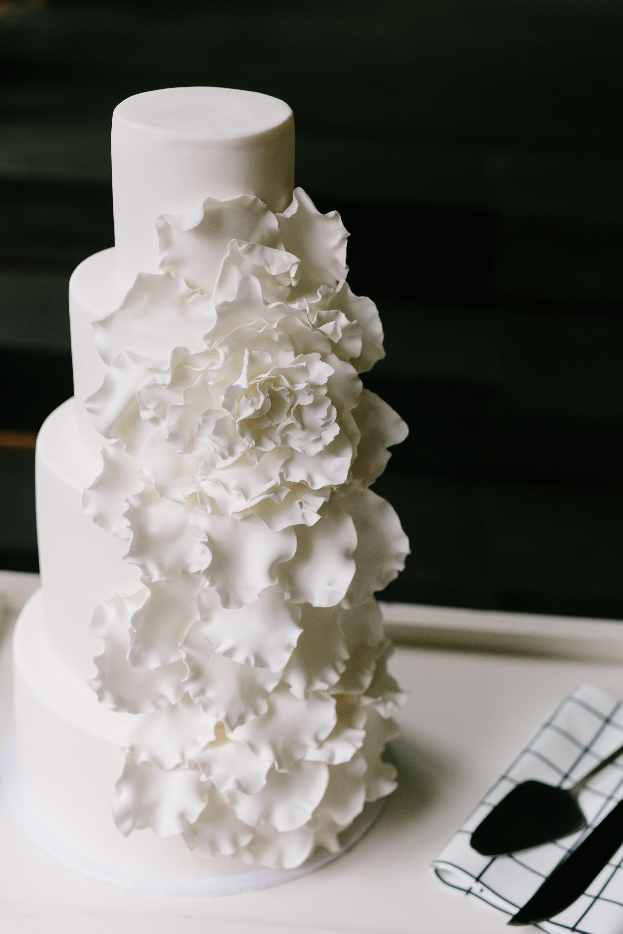 Italia Editorial shoot wedding cake