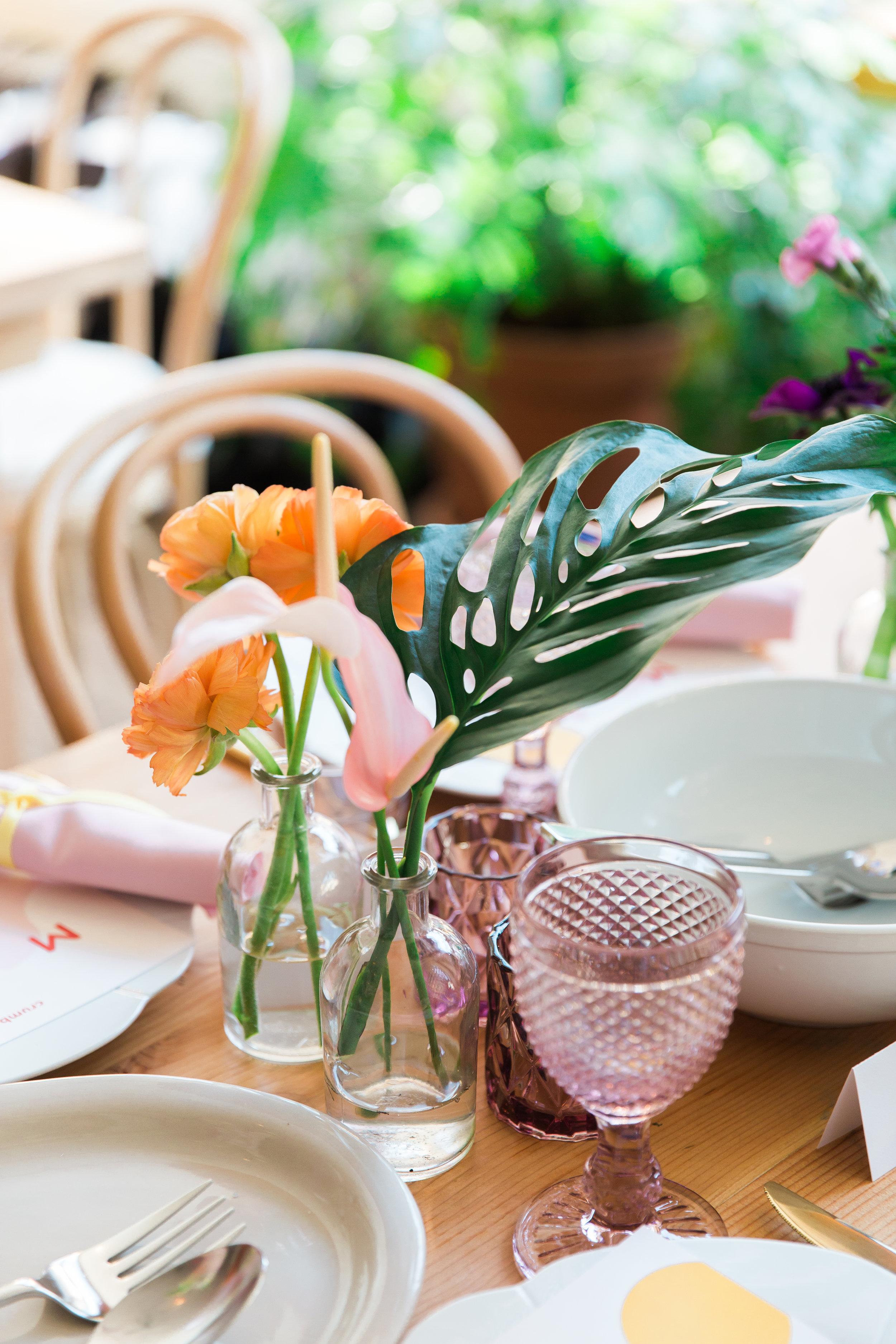 Table Setting Dancing & Dessert