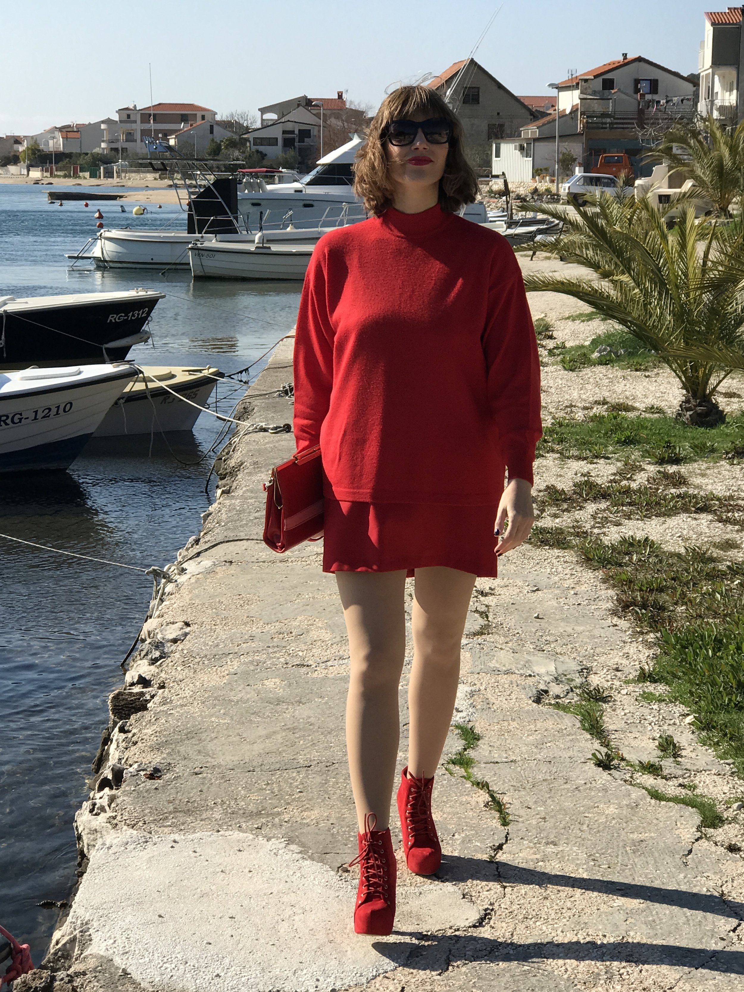 Striking Red Monochromatic Look