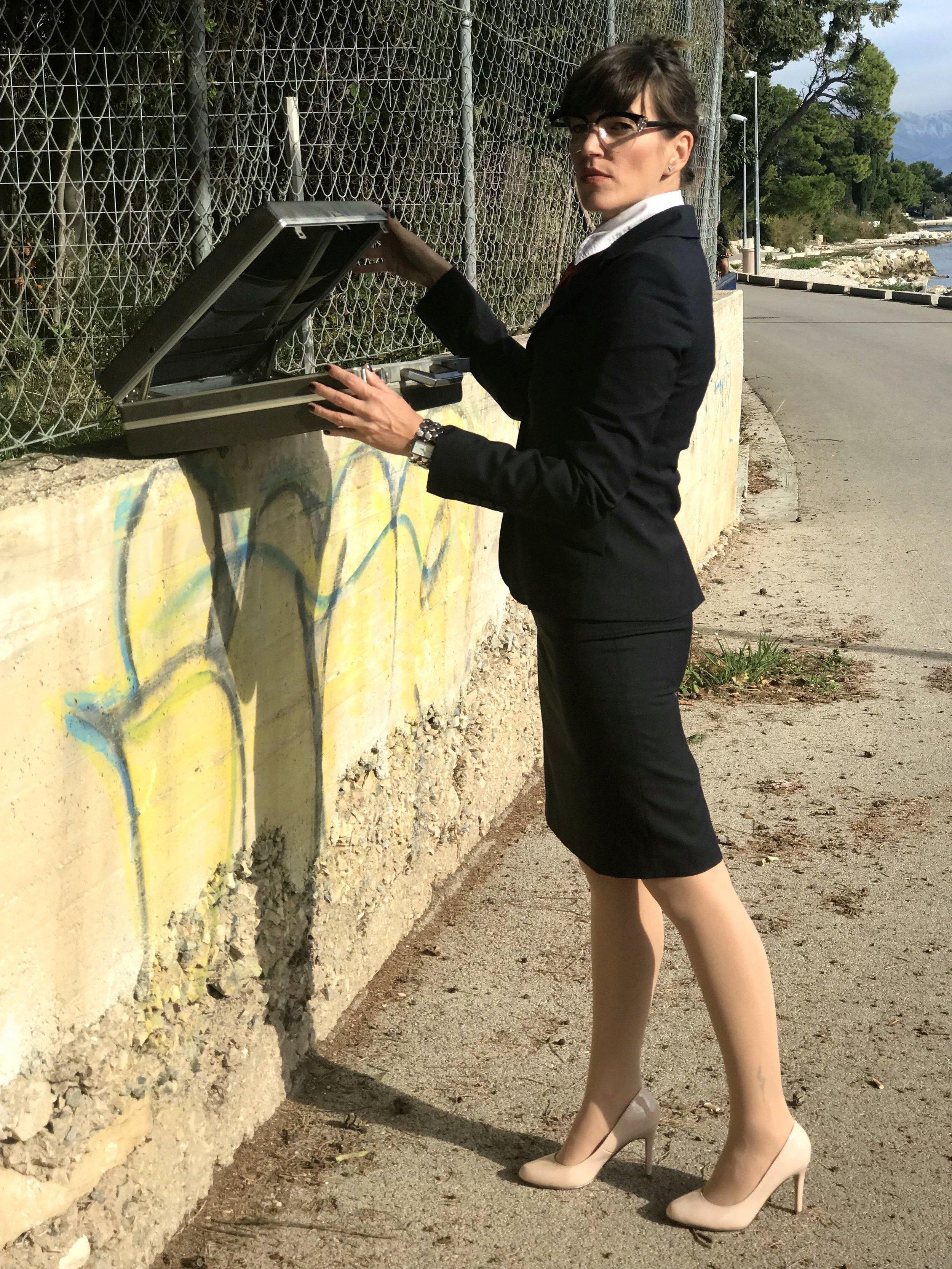 Business Woman million dollars briefcase
