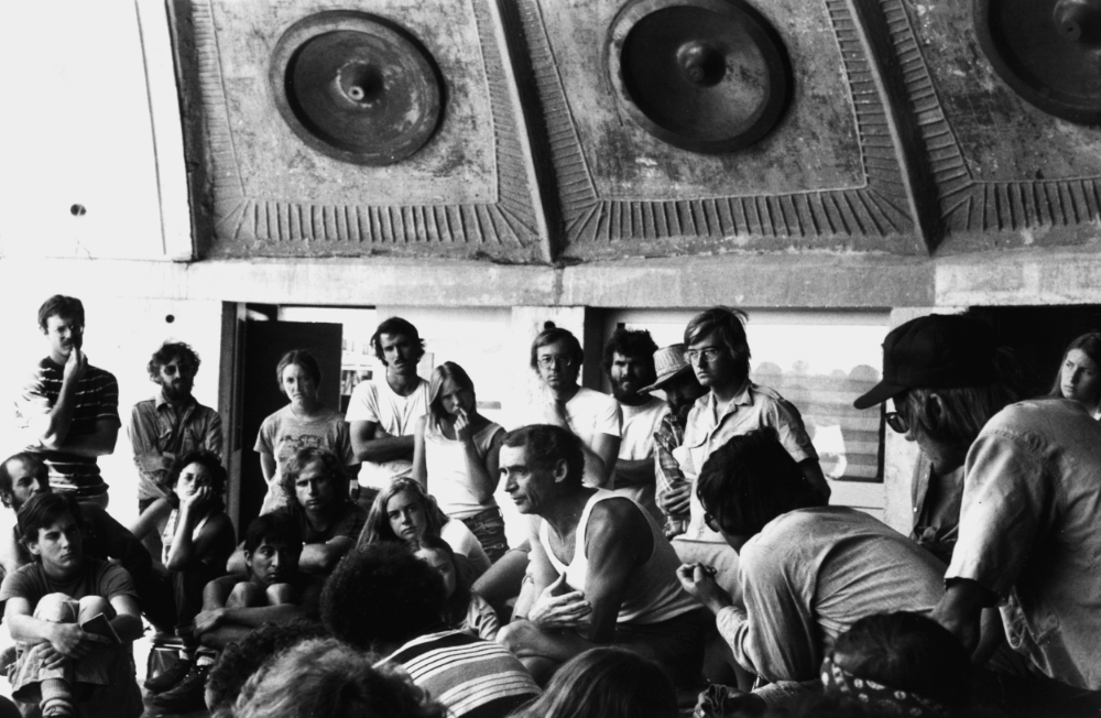 Paolo Soleri (centre) with workshoppers at Arcosanti, 1970s © Ivan Pintar