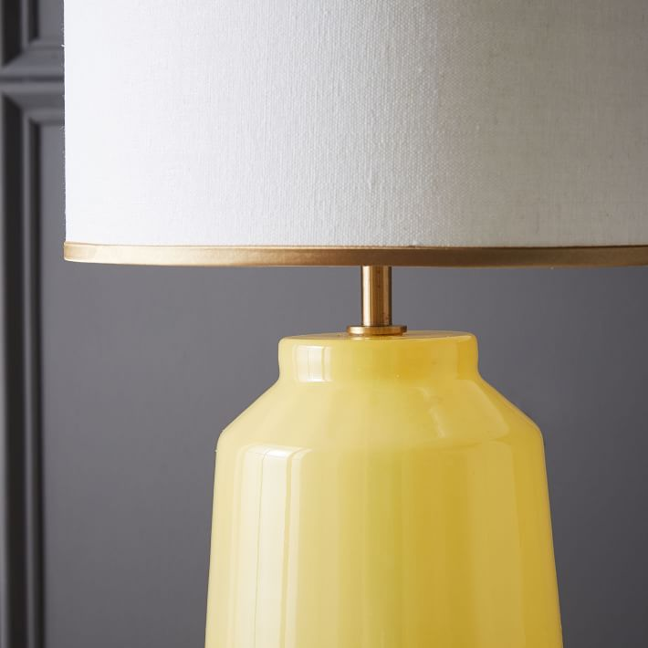 RR 2 faceted-glass-table-lamp-small-yellow-gold-1-o.jpg
