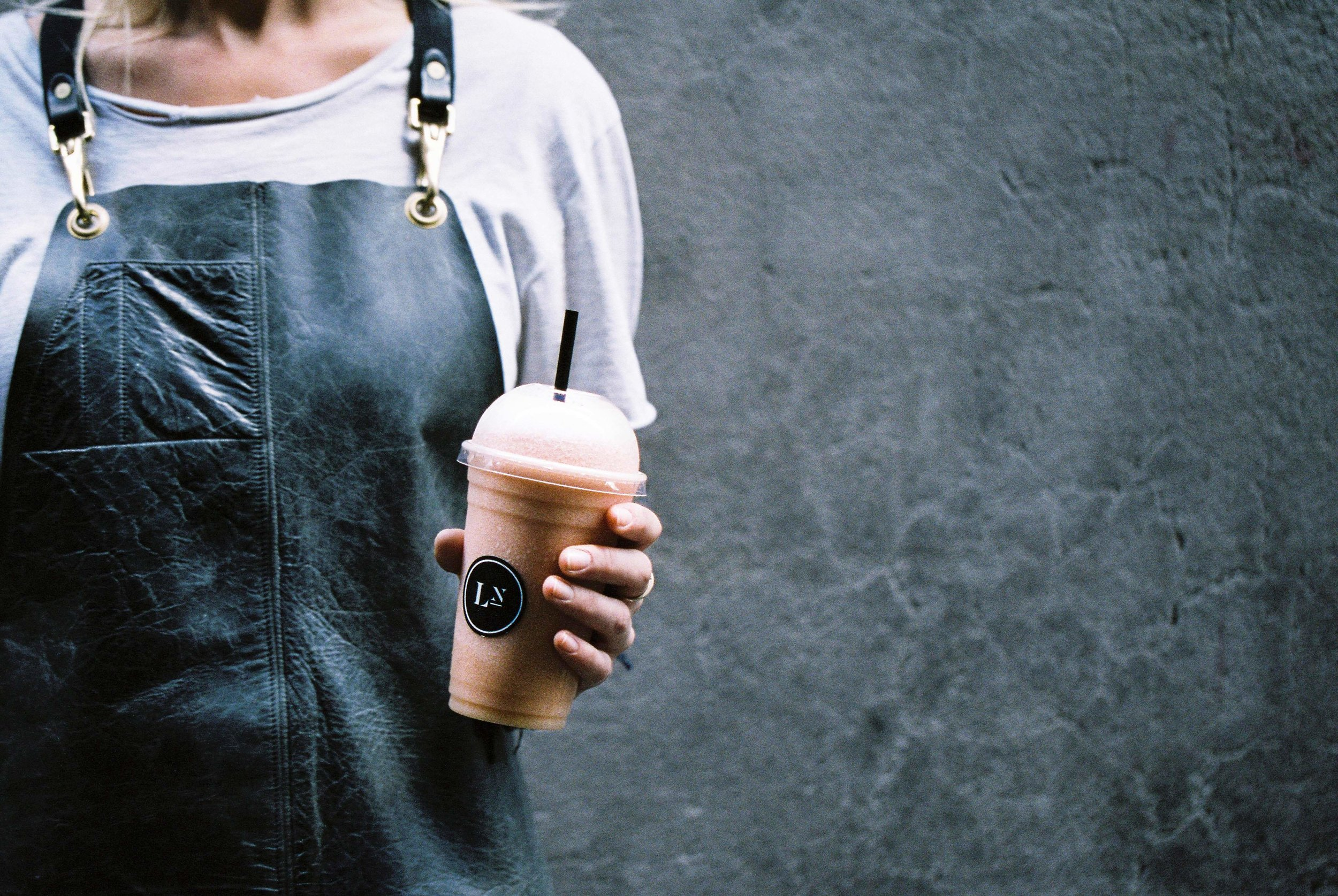 Fresh and made-to-order smoothies from Laneway Greens - an offer squeezed into a nook in Flinders Lane, Melbourne for all the CBD workers to enjoy