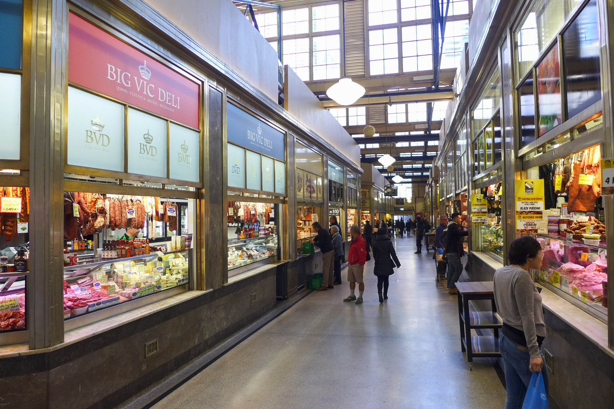 Queen_Victoria_Market_Daily_Product_Hall_201708.jpg