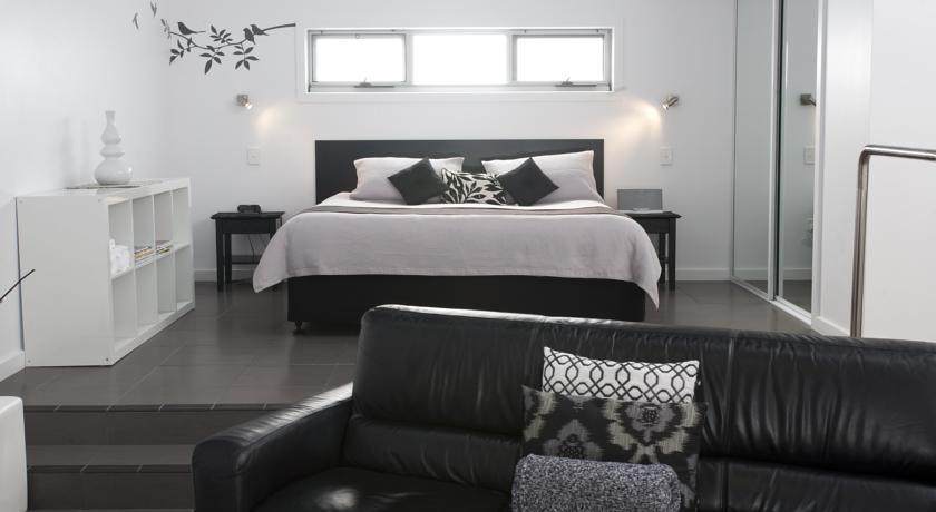 anchors bedroom.jpg