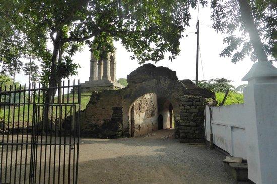 Negombo dutch fort.jpg