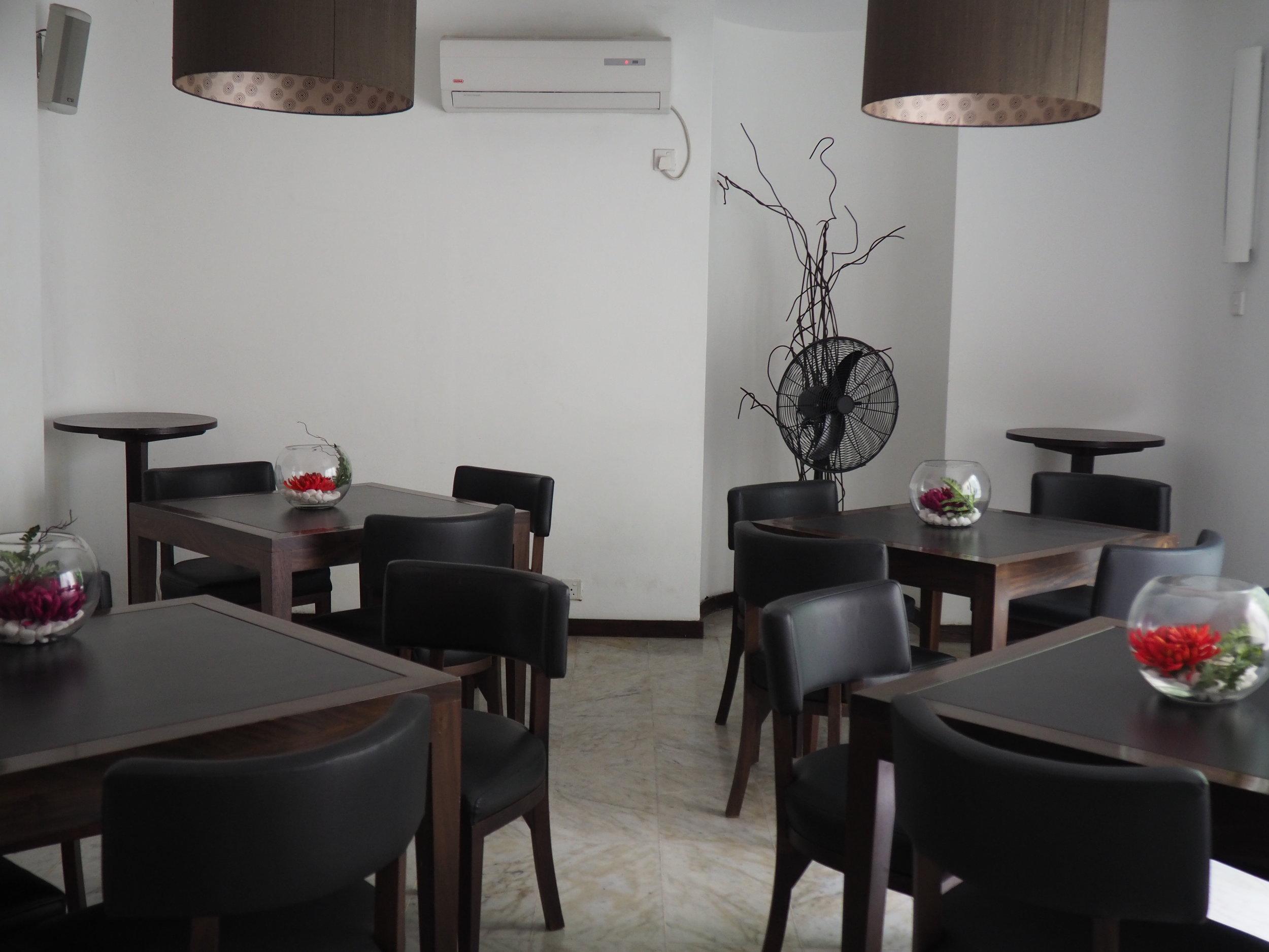 Ceilao dinning room.JPG