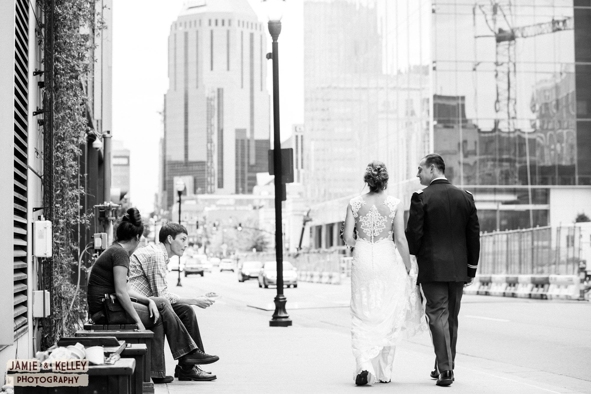 20_LindsayAndJohn_WeddingTeasers.jpg