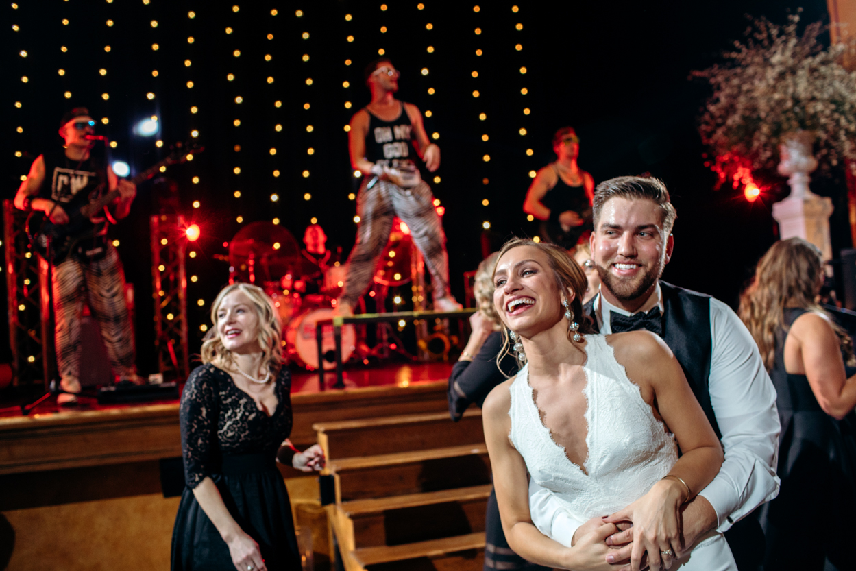casey-brodley-detroit-gem-theater-wedding-15.jpg