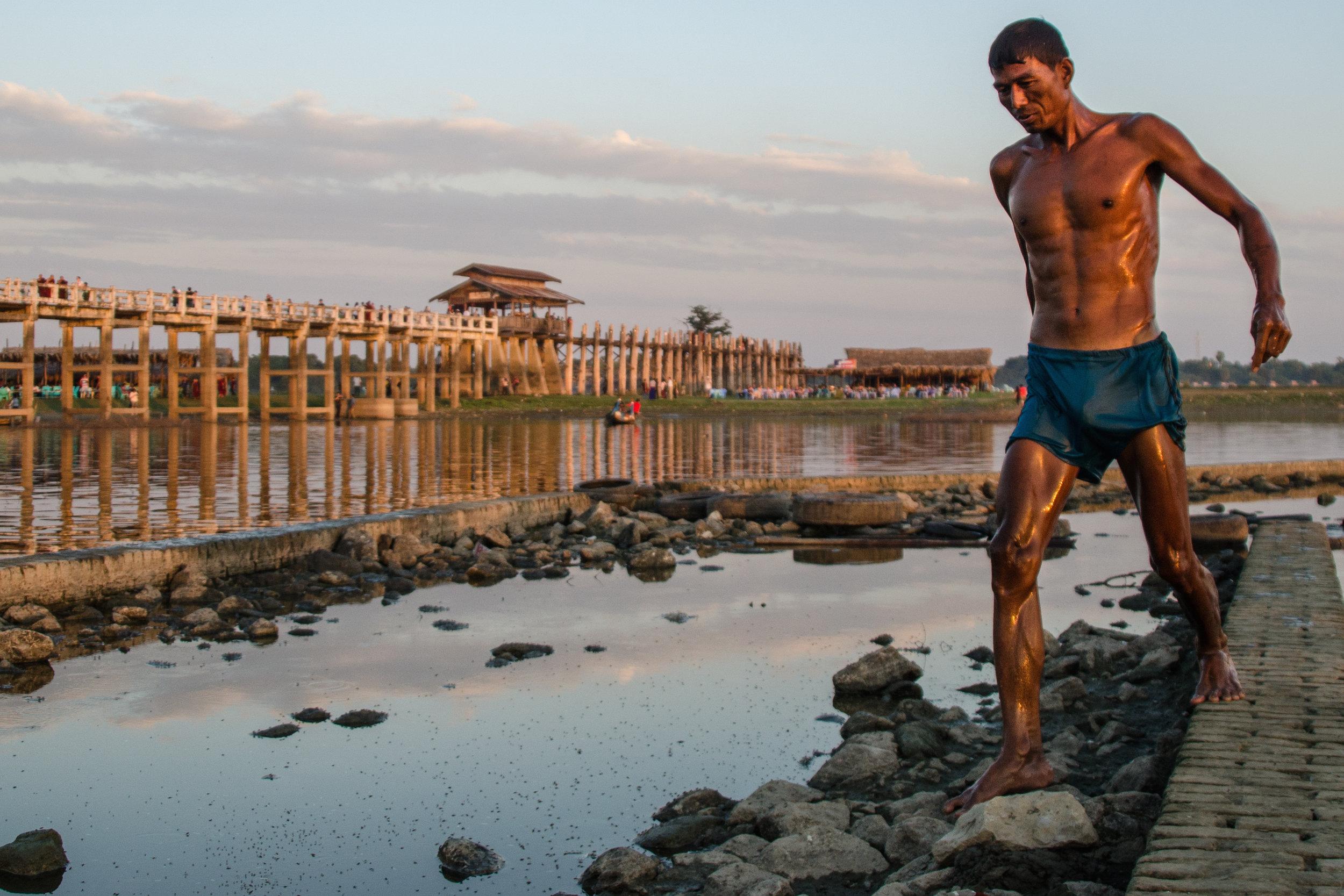 U Bein Bridge, Mandalay, Myanmar 20mm f4 1/500