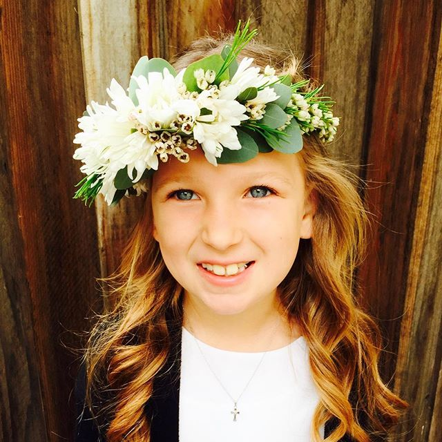 A #flowercrown for this little beauty's first communion #bayareaflorist #floralcrown #graduationflower