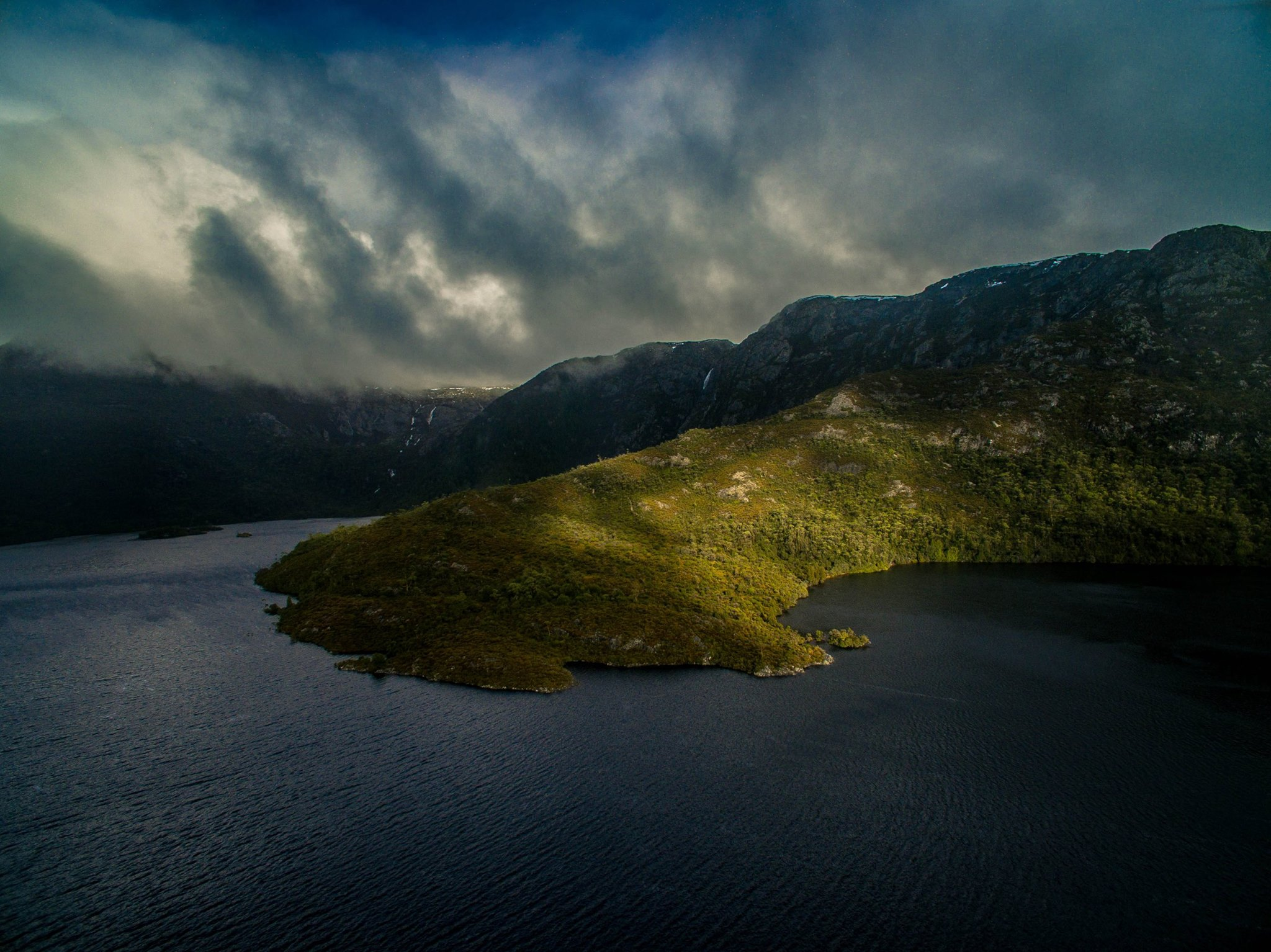 This is not the only attraction in Tasmania, but it is definitely the one that you need to visit when you are in Tasmania. There are various walks and hiking tracks that you could choose from. You can also choose to climb the summit of Cradle Mountain. The summit offers spectacular views of Dove Lake, Mount Ossa (Tasmania's highest peak) and offers incredible 360-degree panoramic views of an awe inspiring Jurassic landscape, carved out from glacial activity over the last ice age.