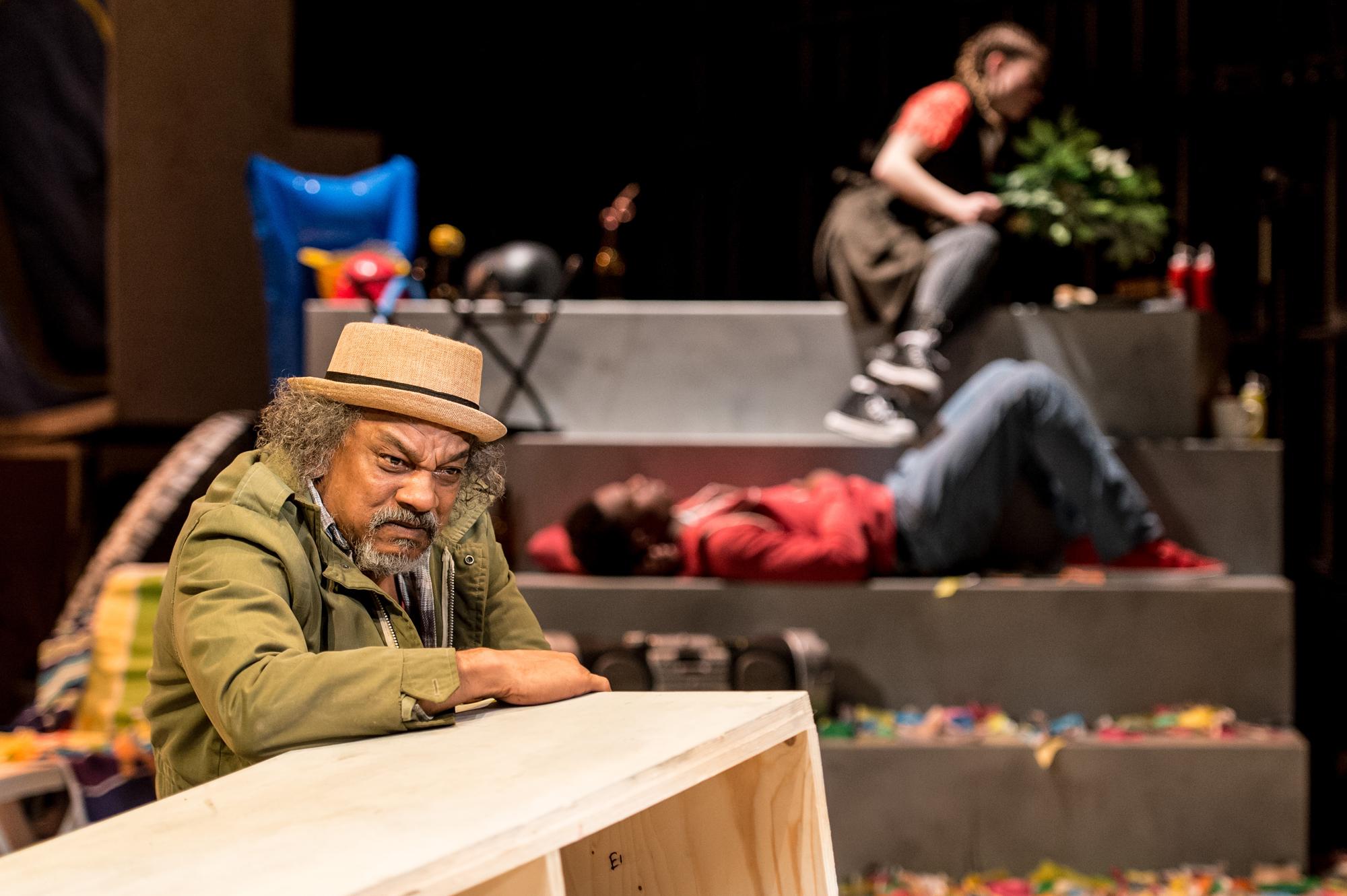 Jeffery-Kissoon-as-Odysseus,-4,-photo-credit-Manuel-Harlan.jpg