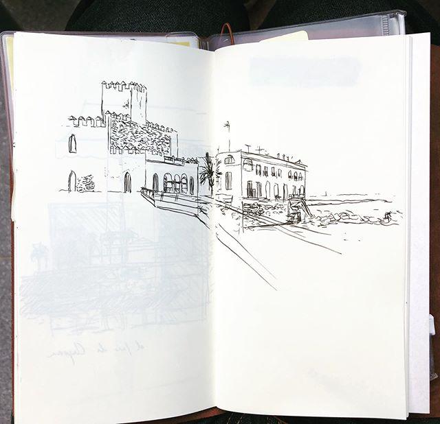 El Castillo de Chipiona. . . . . . . #drawing #sketch #travelers #travelersnotebook #cadiz #chipiona #ink #fastdrawing