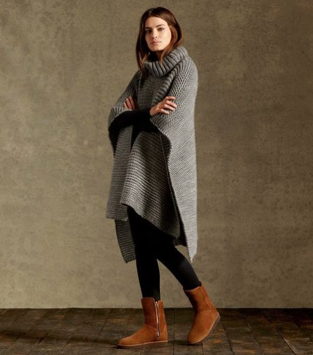 Oversized poncho, leggings and neutral Uggs = TICK!
