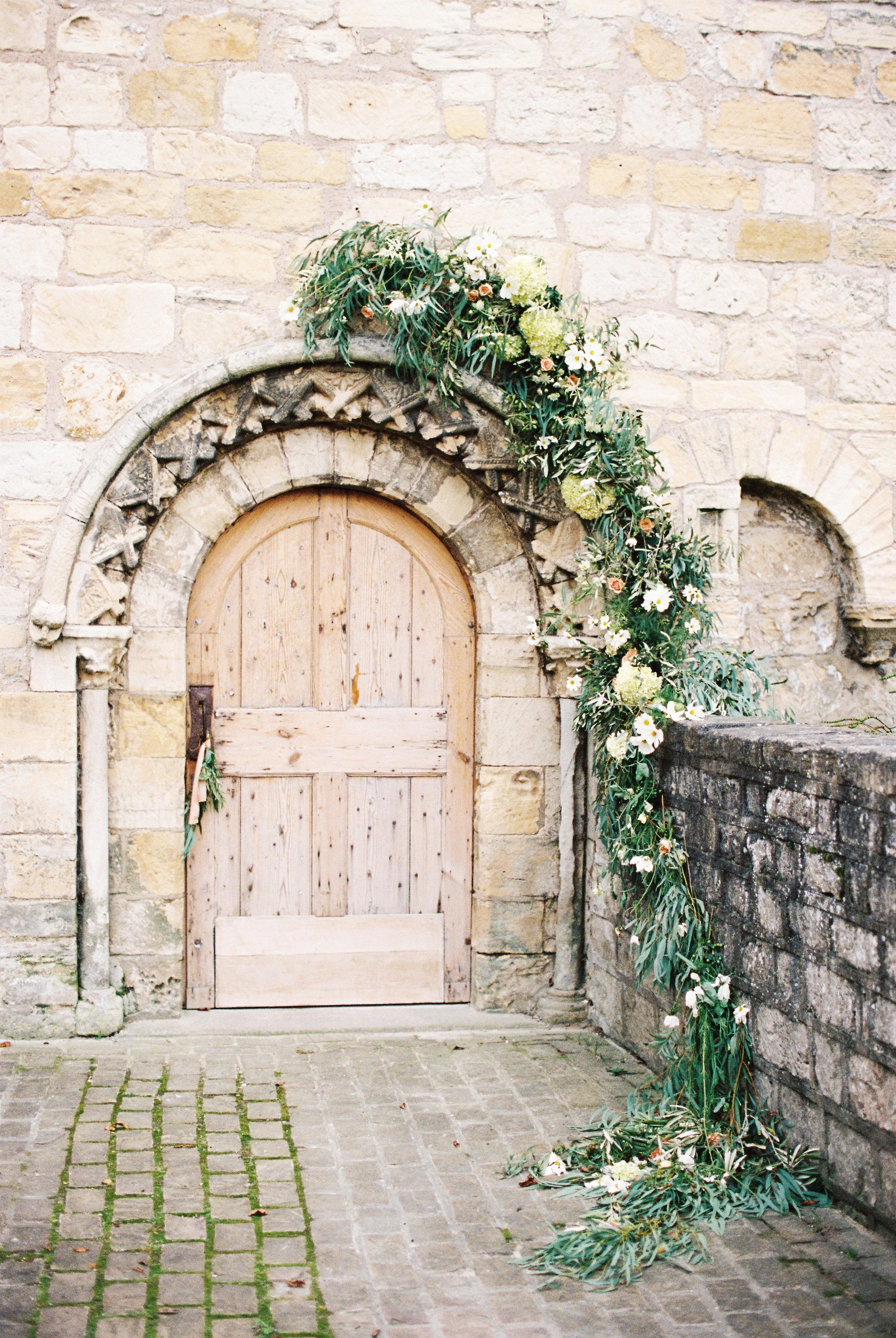 unstructured arch around doorway