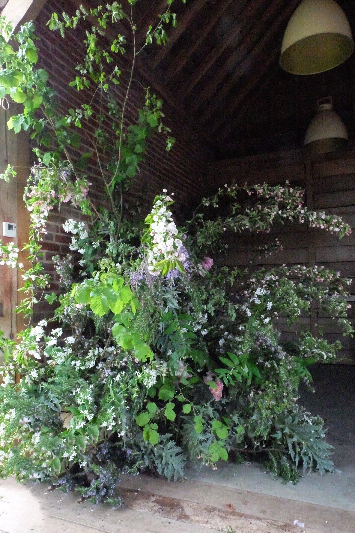 Foam free floral installation
