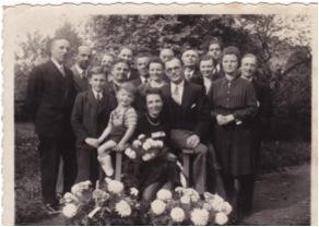 Trouwfoto_Jozef_Schellekens_Maria_Van_Den_Bosch_1943.jpg