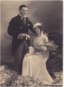 Trouwfoto_Jozef_Schellekens_Mietje_Vogels_1933.jpg