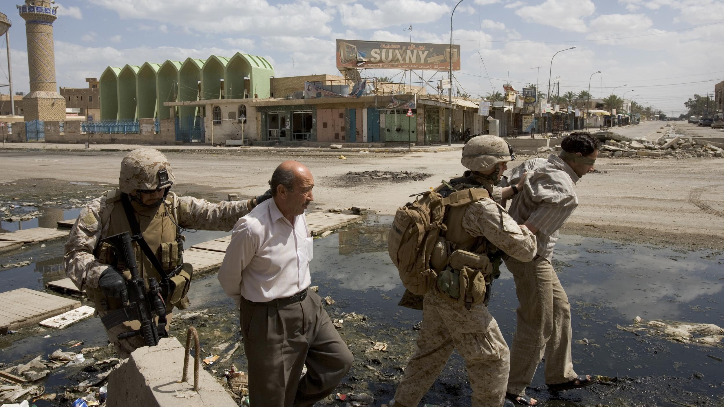 Only The Dead 16 - Credit Yuri Kosyrev _ Noor Images_U.S. Troops on patrol in Ramadi.jpg