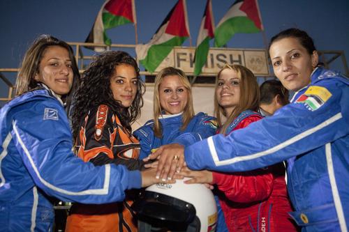<h3>Speed sisters</h3>