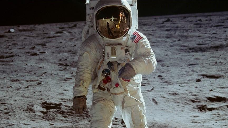 Apollo 11 - Dogwoof