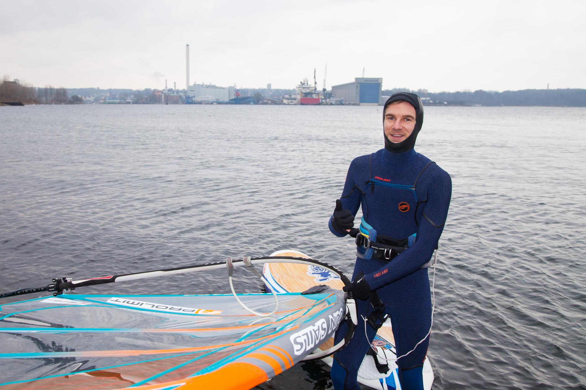 Valentin Böckler auf dem Weg ins Wasser