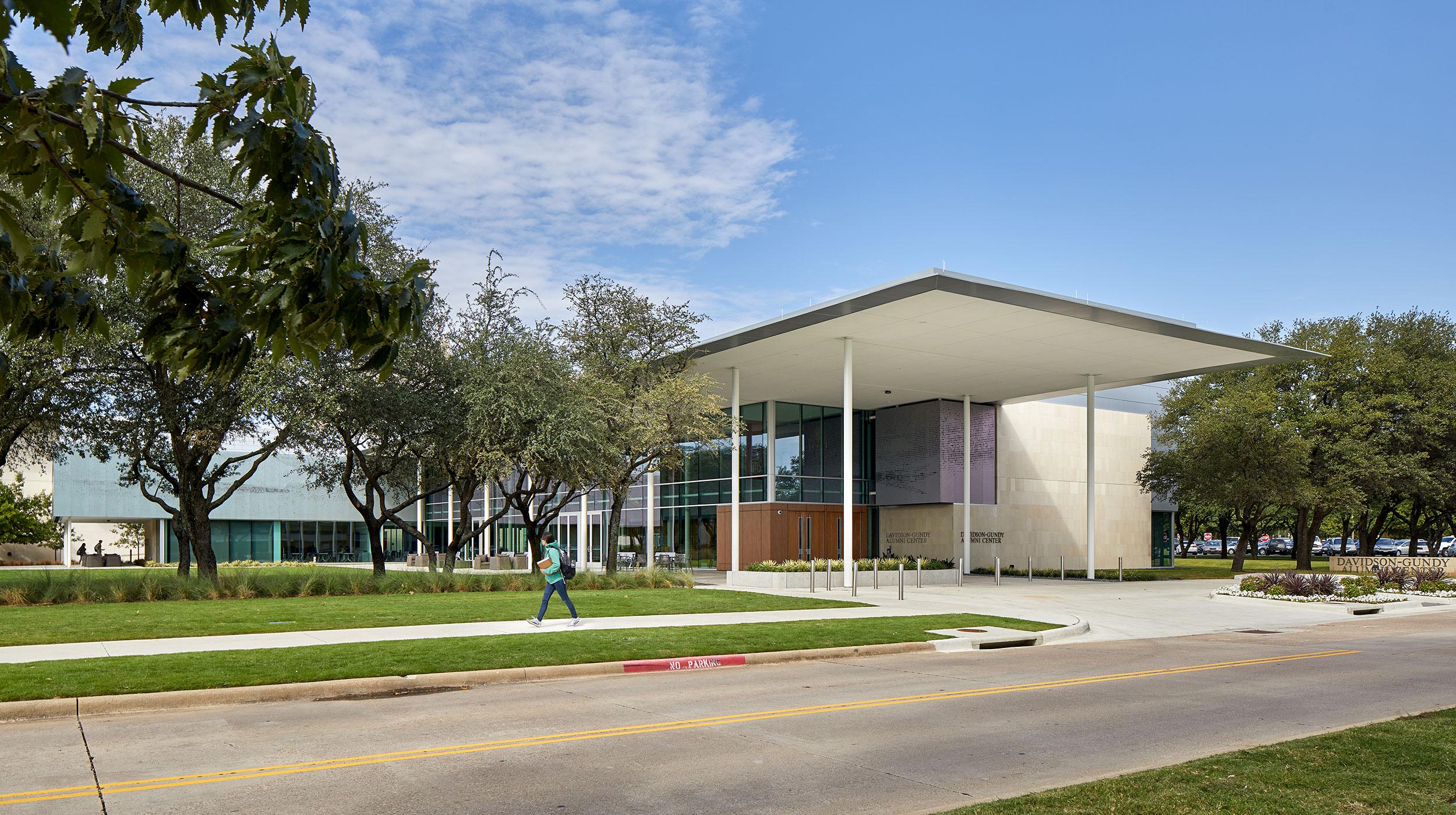 Davidson-Gundy Alumni Center at The University of Texas at Dallas