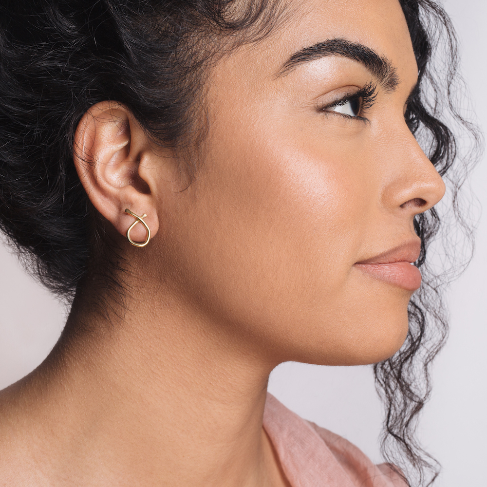 The  Odyssey earrings  are a perfect every day studs, modern and classic at the same time.