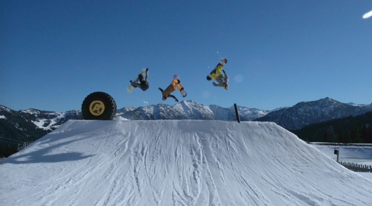 Flying backies to finish off an epic day @ Absolut. Peetu Piiroinen + Seppe Smits