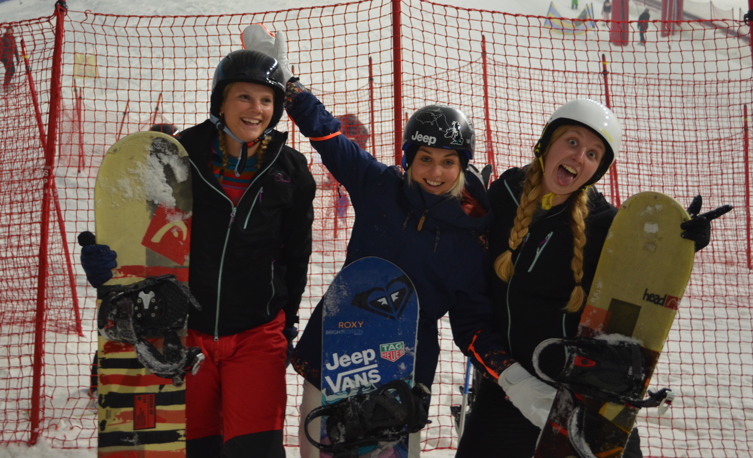 Fun with the Winners, of the Jeep UK Tough Mudder prize give away at The Snow Centre. Z and Ellie! Awesome to meet you guys. Fun, young and inspirational sporty women. Best of luck with your rowing and sailing campaigns!