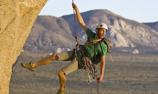 Rock-climbing,-Joshua-Tree_crop.jpg