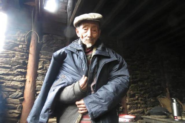 Lisu man gets a new winter coat part 1