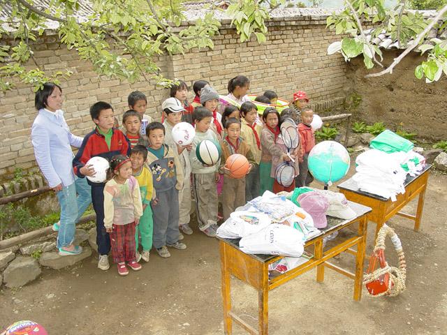 Supplies taken to Yi Village