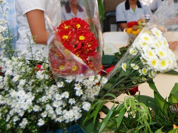 flowers arrangement class 7.jpg