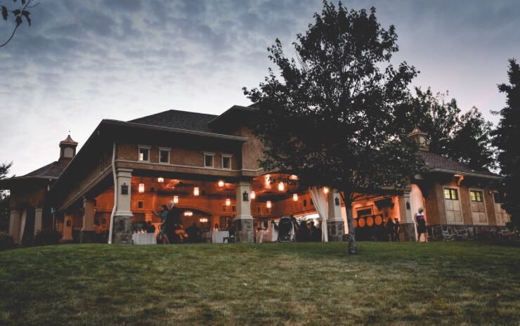Venue: Gervasi in Canton, OH // Photo: Amy Galon Photography
