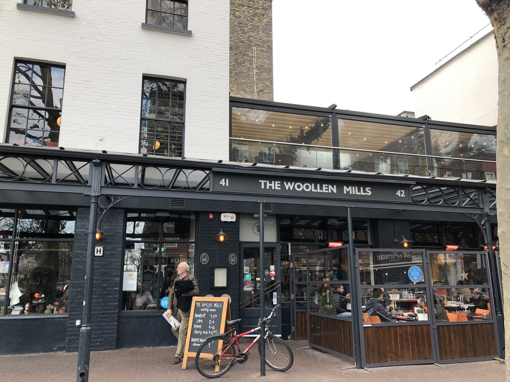 Lunch at the Woollen Mill in Dublin.