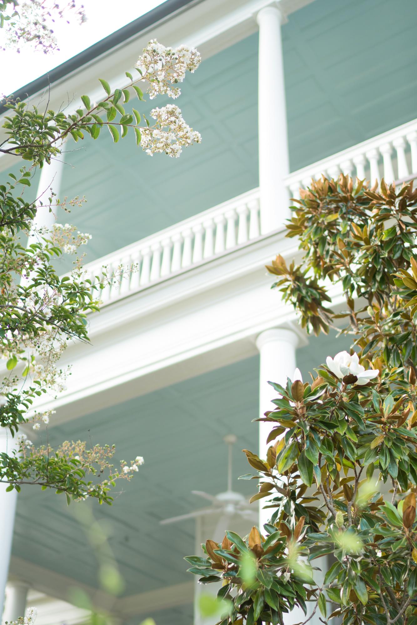 Charleston patio | Never Settle Travel